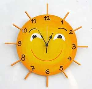 Home made wall clocks for the kid's room