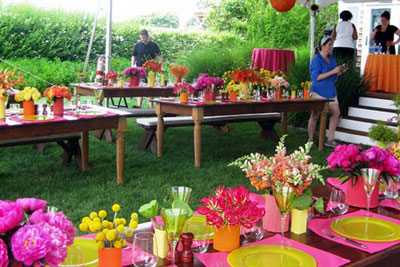Decorations for a house party in your apartment for Fun garden decoration ideas